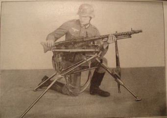 Mg34 sling on Lafette